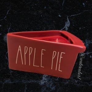 🆕 Rae Dunn APPLE PIE 2 Wick Scented Pie Candle